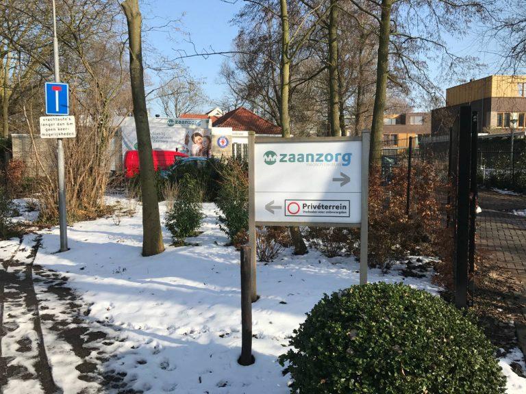 Medisch Centrum Zaanzorg in de sneeuw